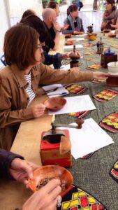 Ateliers adultes autour des épices de l'association En Route